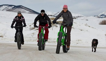 Picture of Roy Moranz riding fatties with Vicky Sama and Leslie Perrot in Crested Butte Colorado.